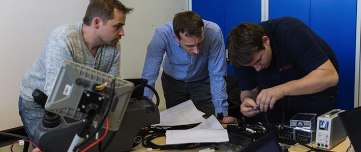 Teamwork für Interieur HMI / Assistenz