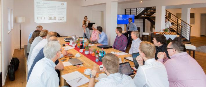 Welt Premiere der Smart CAB auf dem Cluster Gemeinschaftsstand auf der Agritechnica